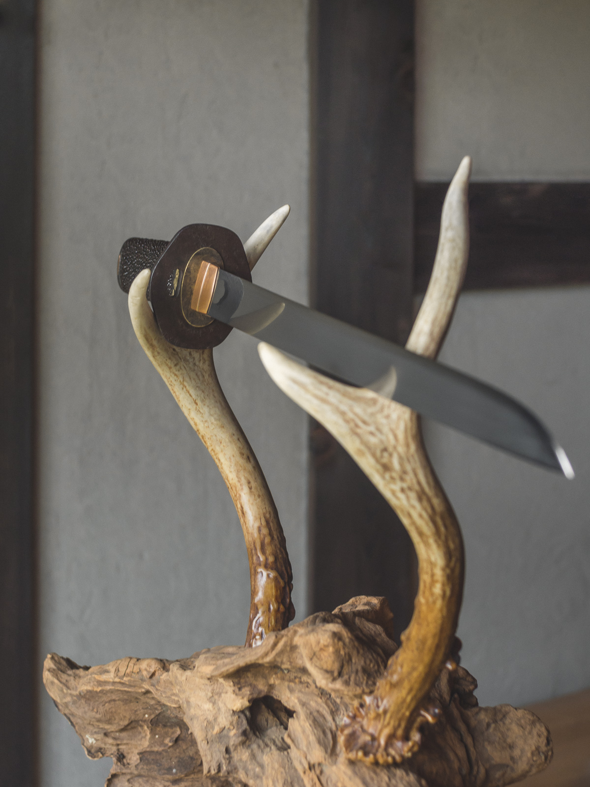 Island Blacksmith: Hand crafted tanto koshirae made from reclaimed and natural materials using traditional techniques