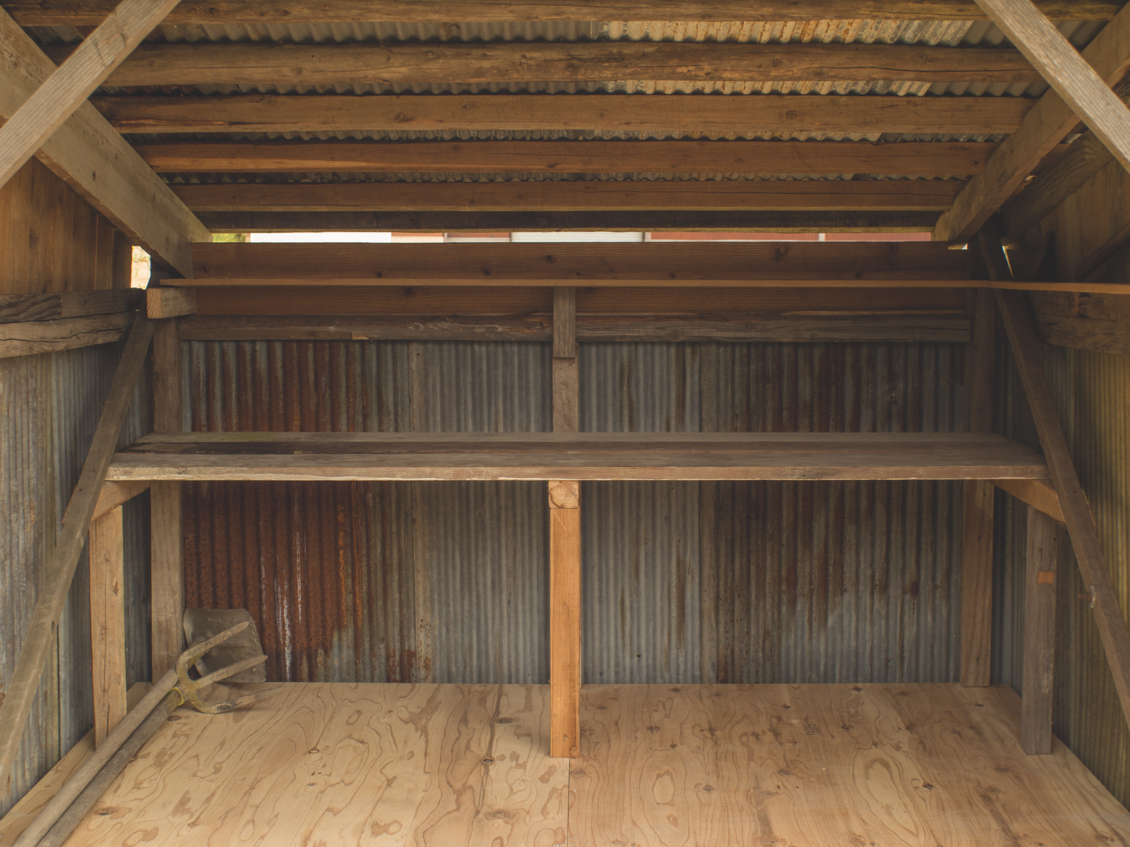 Chashitsu-goya garden shed from reclaimed materials in Hyogo, Japan